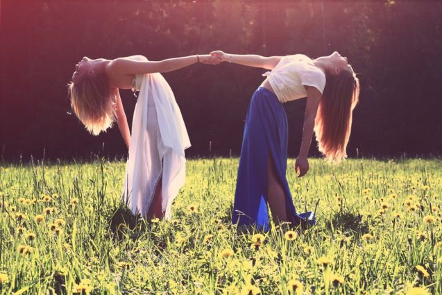 Cauta cel putin o persoana cu care sa vorbesti deschis despre endometrioza!